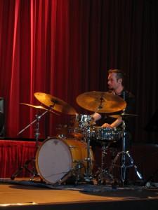 Julien GREGOIRE à la batterie...