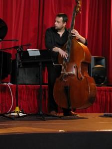 David ESKENAZY à la contrebasse...