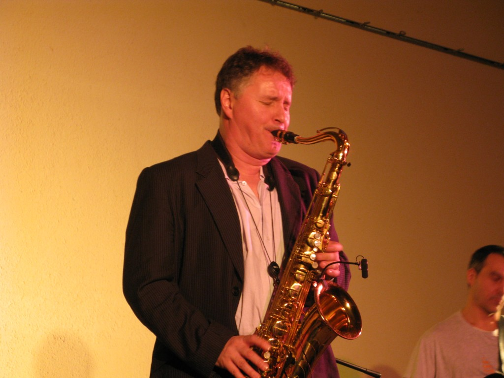 Sylvain BEUF au saxophone...